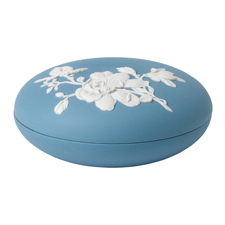 WEDGWOOD MAGNOLIA BLOSSOM COVERED BOX