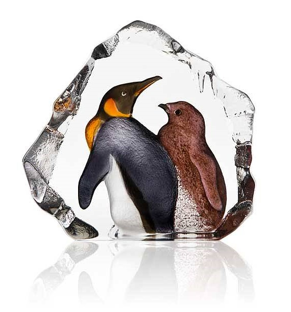 KING PENGUIN WITH BABY