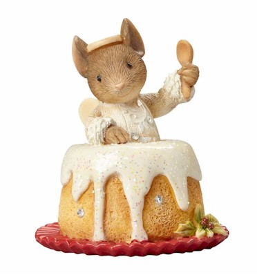 MOUSE IN ANGEL FOOD CAKE